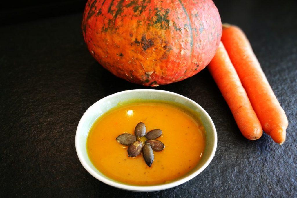 Kürbis, Kürbissuppe, Suppe, Karotten, Möhren, Herbst, Kürbiskerne, Abendessen, Mittagessen, Suppentiger, Kinder