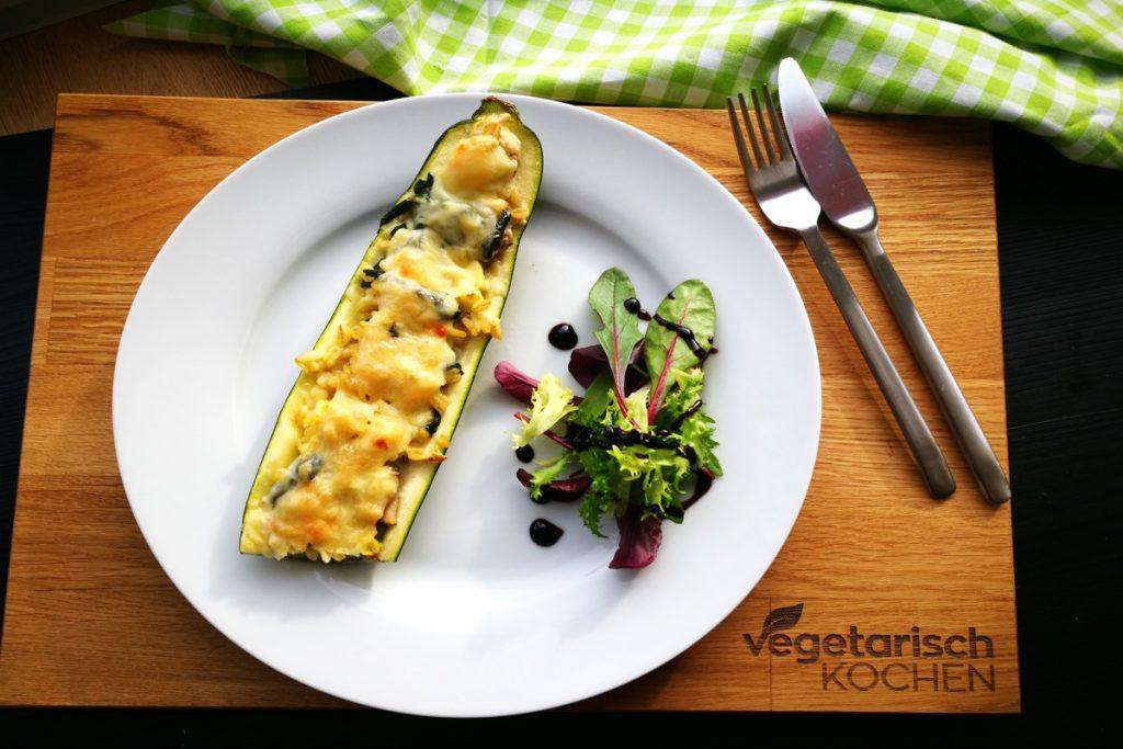 vegetarisch kochen, vegetarischkochen, vegetarisch, vegan, was koche ich heute, Zucchini, gefüllte Zucchini, gefülltes Gemüse, healthyfood, gesund essen, gesundes Essen, abnehmen,